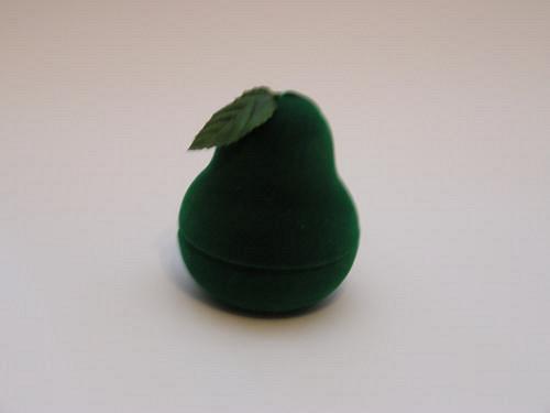 Sametová krabička na šperky - zelená hruška