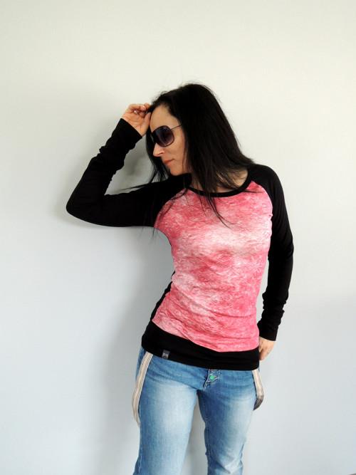 Černé triko s barevným PD...S
