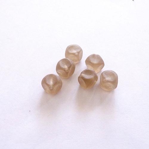 Růžovo béžové kostky 6 ks