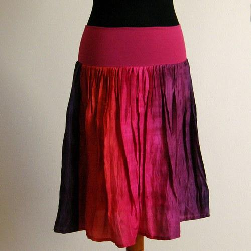 Mexiko...krátká hedvábná sukně