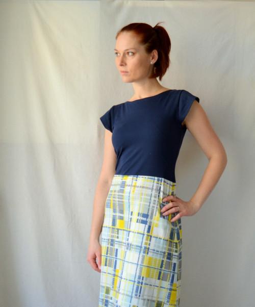 Kostkaté úpletové šaty