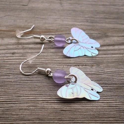 Motýlkové náušnice fialové
