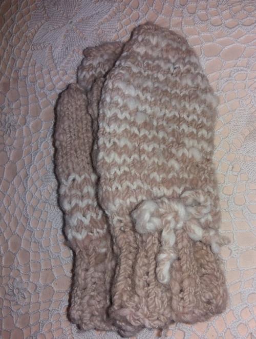 Dětské palčáky z vlny - spředené, barvené, pletené