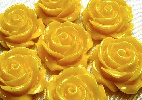 Plastová růže plnokvětá 15 mm - žlutá / 2 ks