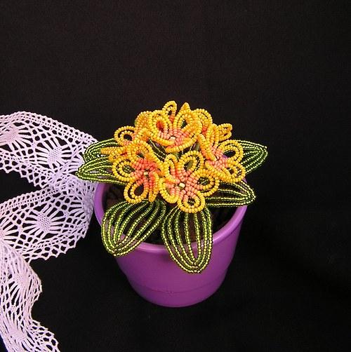 Petrklíče z korálků - žluté