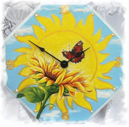 slunečnice a motýl