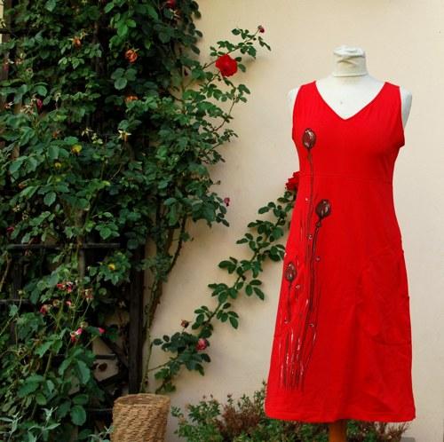 Červené šatičky makovicové
