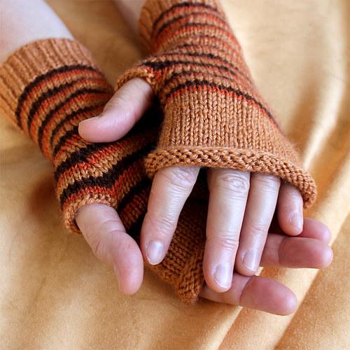ruce v teple - hnědá s oranžovou