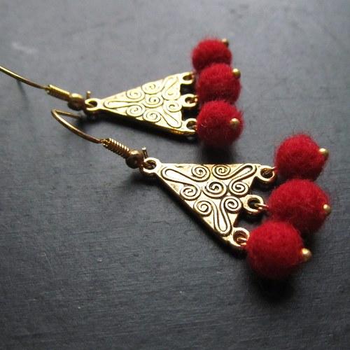 Náušnice romantičky plstěné červené