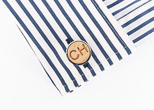Dřevěný manžetový knoflíček Písmeno CH
