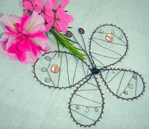 Drátovaný motýl - růžový