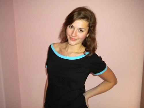 Tričko černé s modrými lemy-velikost L