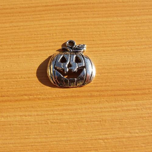 Dýně -  stříbro - 18 mm x 16mm - 2 kusy