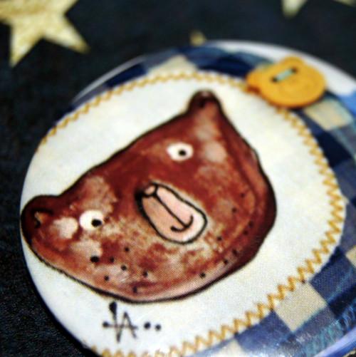 Originální placka - buttonek Potkal medvěd medvěda