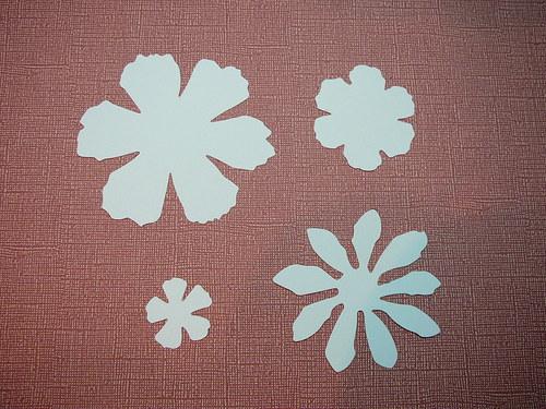 Papírové výseky - květiny