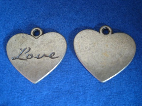 Srdce s nápisem LOVE, cena je za 2 ks