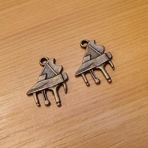 Klavír - přívěsek - starobronz - 19mm x 15mm