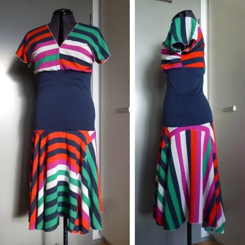 Pruhované barevné šaty