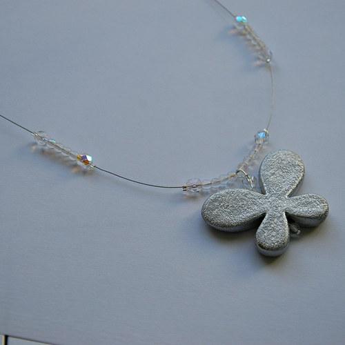 Náhrdelník se stříbrným motýlkem 2verze
