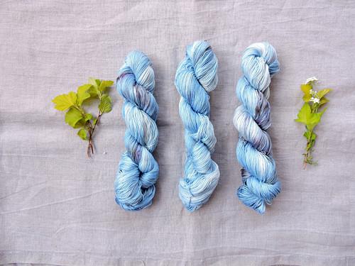 Mračna-  ručně barvená 100% Pima bavlna