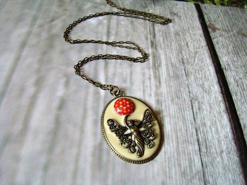 Žena a Planeta Ivory ..náhrdelník
