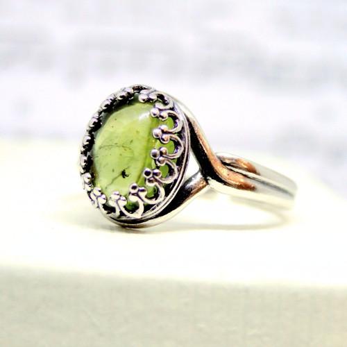 Strieborný vintage prsteň s olivínom Ag925