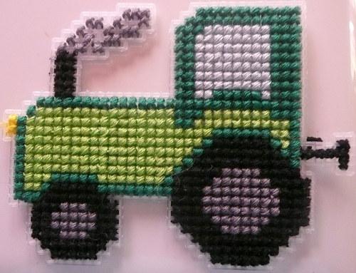 Vyšívaná magnetka - traktor