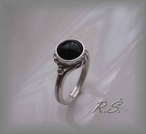 ONYX  mugle 8 mm prsten do soupravy