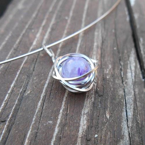náhrdelník z čaroitu