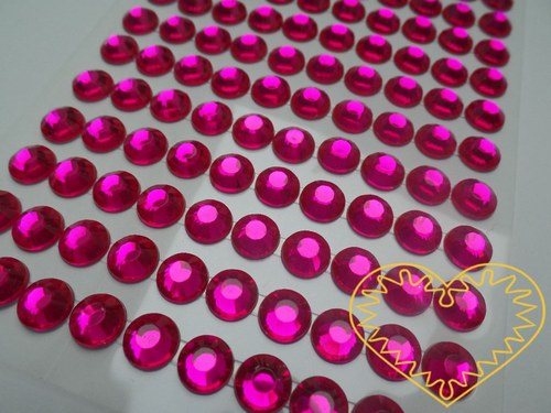 Tmavě růžové nalepovací perličky ø 8 mm 140 ks
