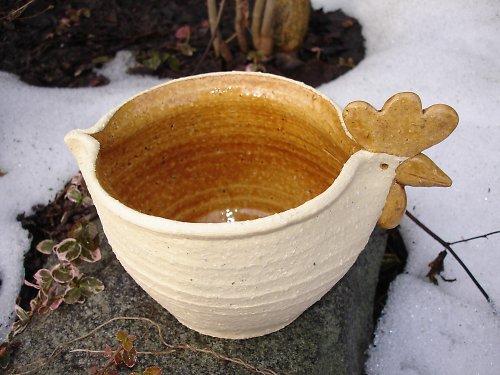 Šamotová dekorační miska-slepice