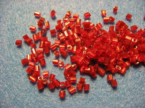 Rokajl červený 2mm 11/0   (cena 10gr)