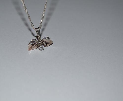 Políbená  kapkou rosy - náhrdelník *
