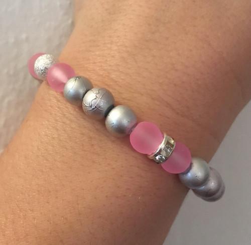 Růžovo šedý - stříbrný náramek