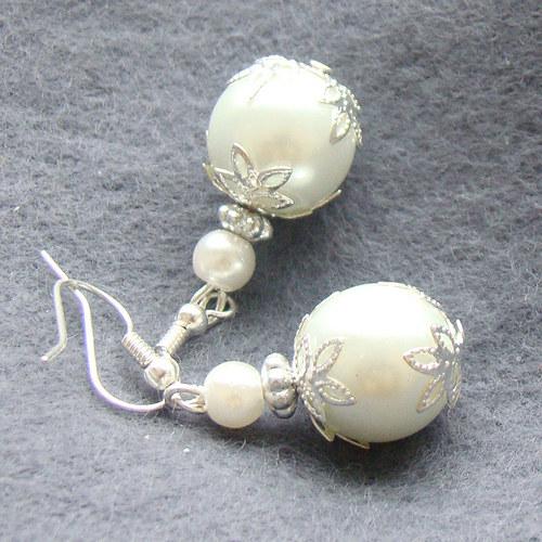náušnice  bílé perličky s lístky