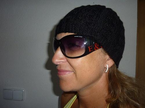 Černá pletená čepka - dámská