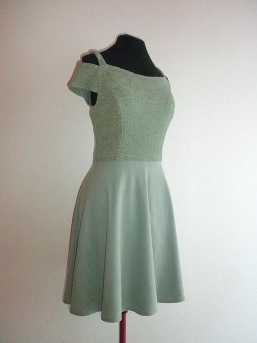 Krátké společenské šaty 97 - vel.42