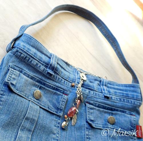 Kapsáčová kabelka s řetízkem