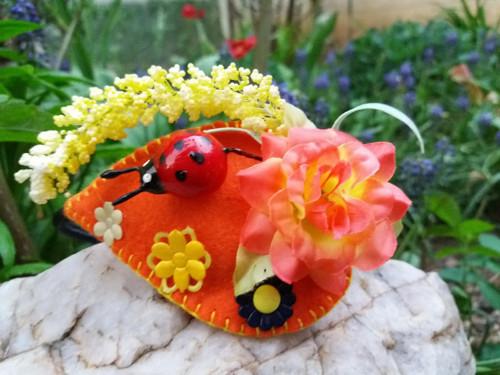 Květinová čelenka- beruška