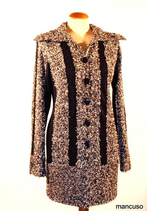 kabátek černobílá peříčka