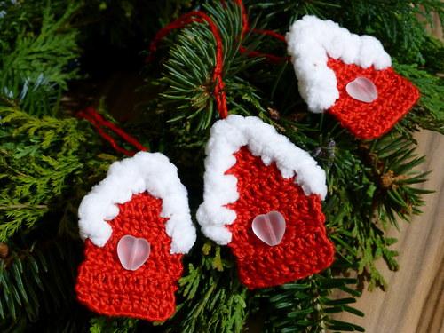 Vánoční zasněžená chaloupka