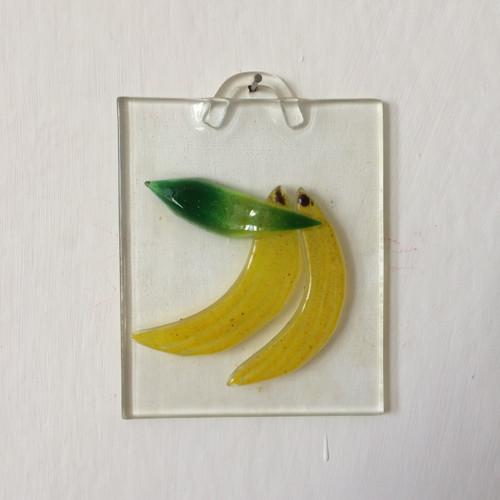 Skleněná tabulka s banány