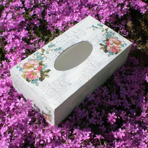 Růže a pomněnky – krabička na kapesníčky