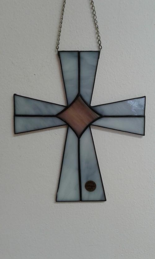 Kříž šedý