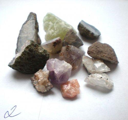 Různé minerály   2 - cena za vše