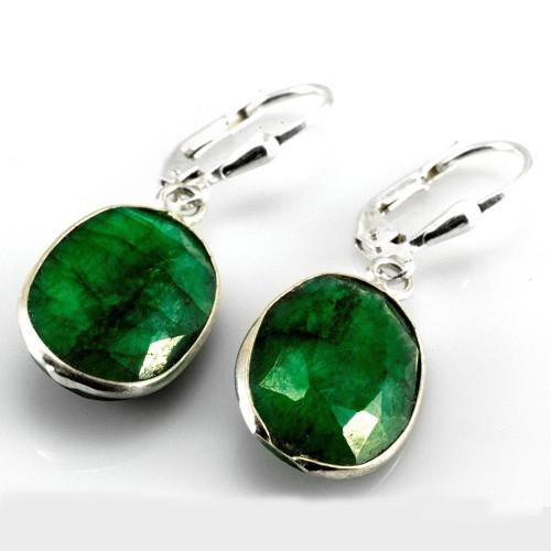 Stříbrné náušnice s broušeným smaragdem