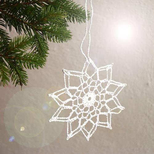 Vánoční hvězdička 13 - bílá