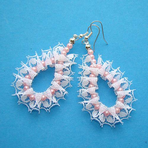 náušnice perličky v krajkách