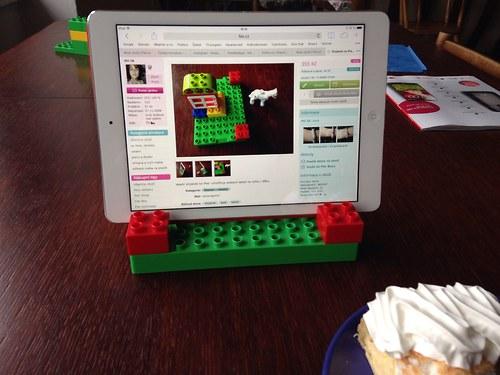 Stojánek na iPad - sleva 30%
