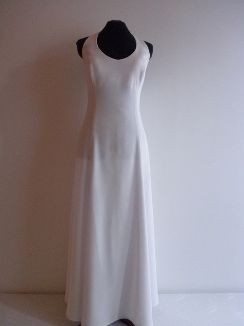 Jednoduché bílé svatební šaty 27 - vel. 44